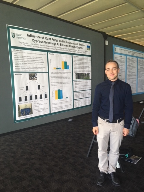 Trey Hendrix presents poster at CELT event